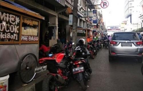 46 Kendaraan Yang Parkir Liar Ditilang Di Kota Bandung (Fhoto Istimewa)