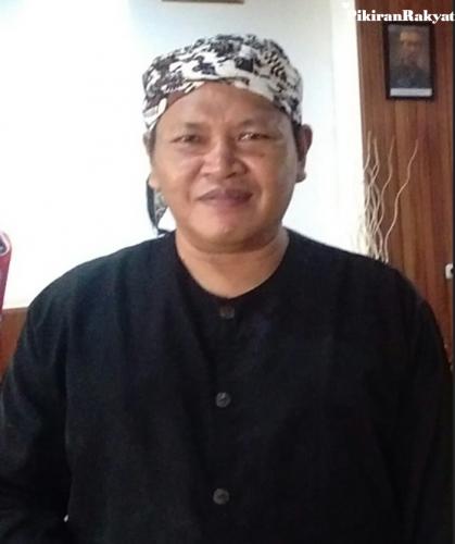 Pengamat Sejarah Cirebon, Mustaqim Asteja. (FOTO: Pikiran-Rakyat.com)